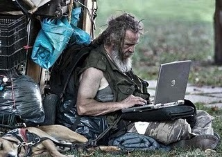 begger-with-laptop-pic