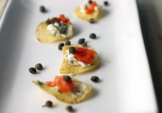party-tip-use-potato-chips-for-onebite-appetizers-145863