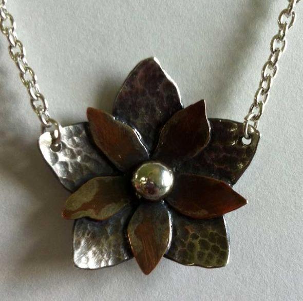 marsh5fingerflowerpendant