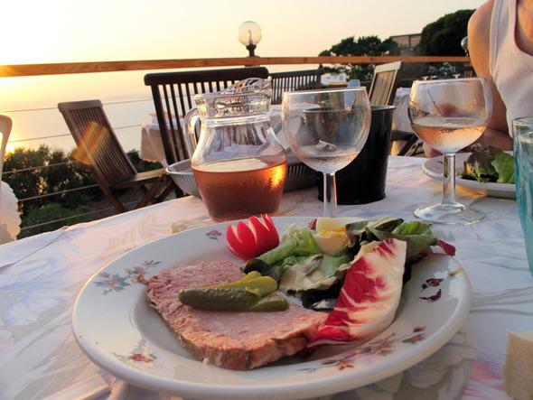 pâté and rosé