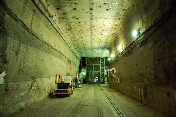 52 13 Underground at WIPP 72dpi