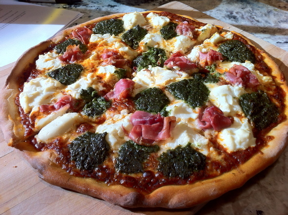Red-white-Green-pizza