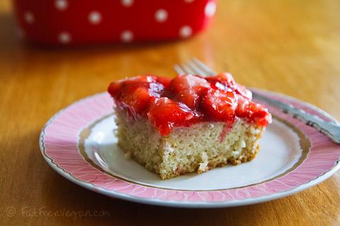 strawberry-snack-cake