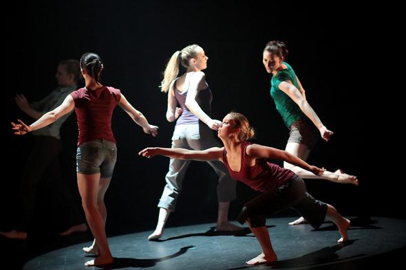 Zeta Dance Group - 3  horizontal