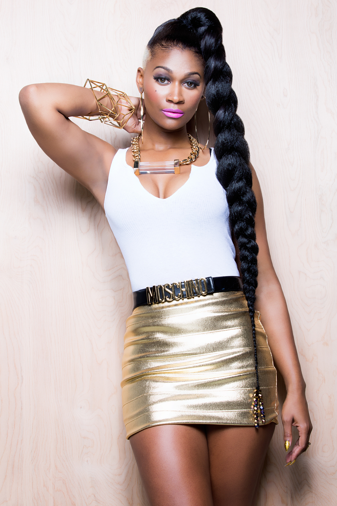 """T'MELLE PREPARES TO RELEASE VIDEO FOR """"DROP IT DOWN"""" DIRECTED BY ERIK WHITE"""