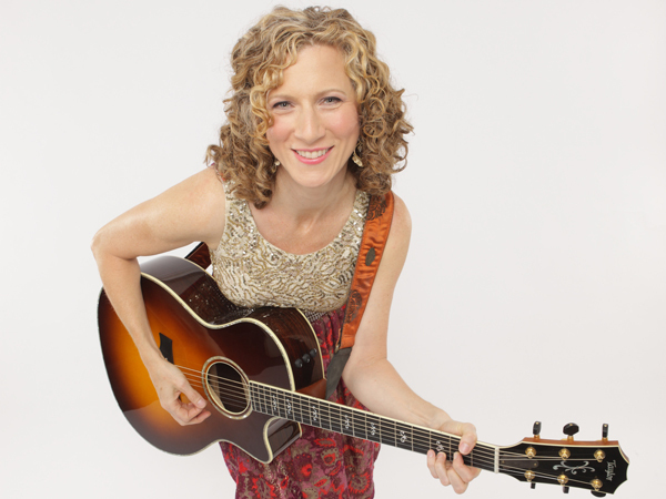 Laurie Berkner solo photo credit Jayme Thornton 72dpi