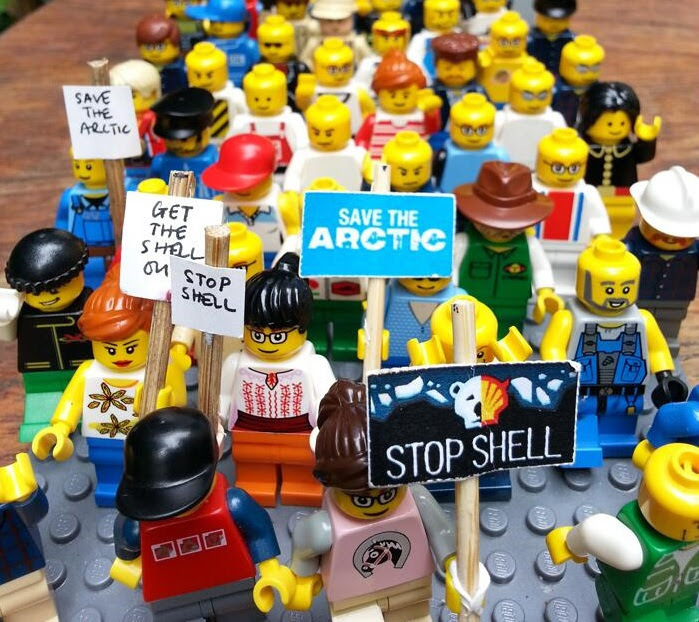 protestmarchlegoshellcropped