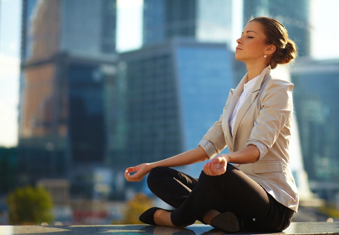 meditation-business-woman