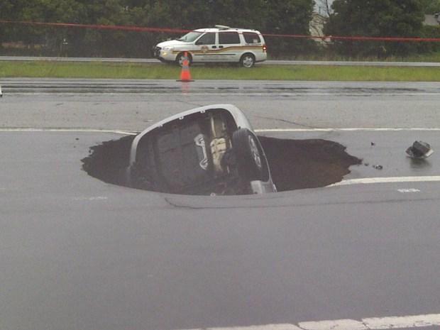 ottawa sinkhole 20120904