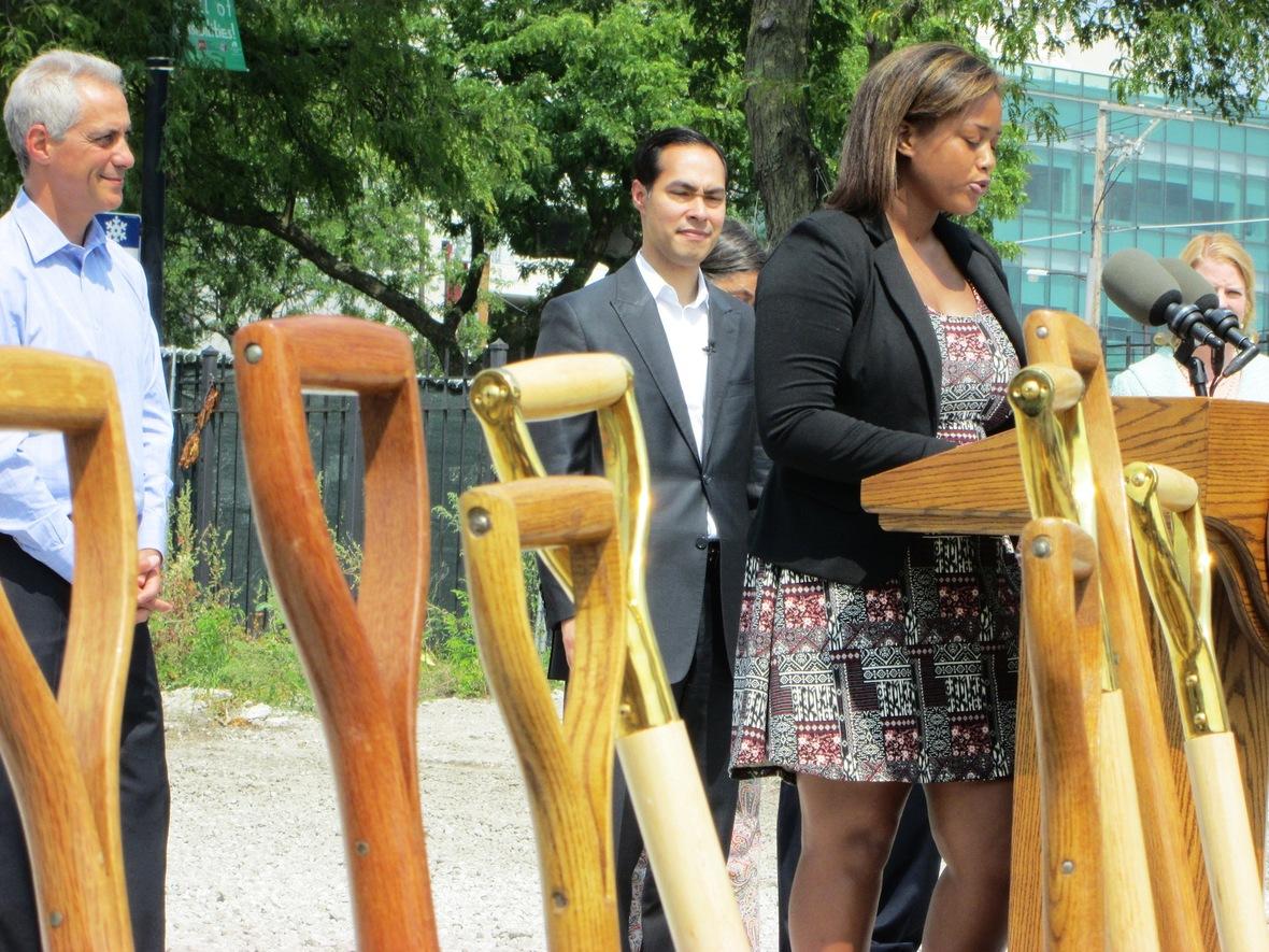 kareemah impresses mayor emanuel and new hud sec. julian castro