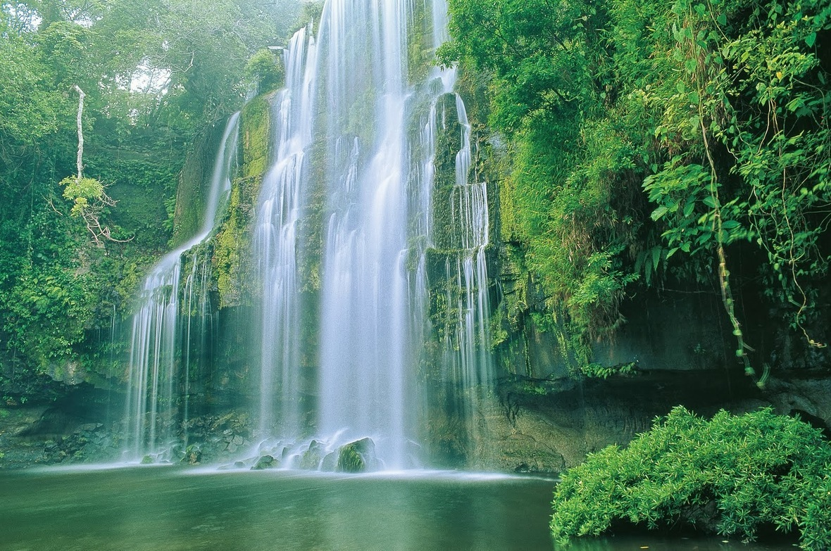 beautiful-natural-waterfalls-tosnhxb0