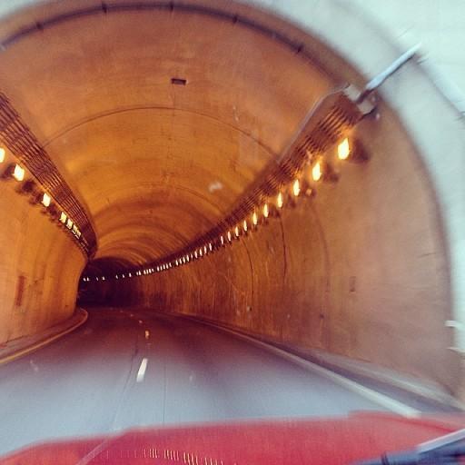 tunnel-512x512