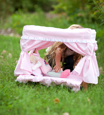 D179 Doll-Canopy-Bed 1