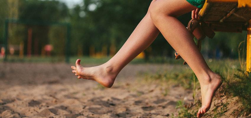 Feet  barefoot
