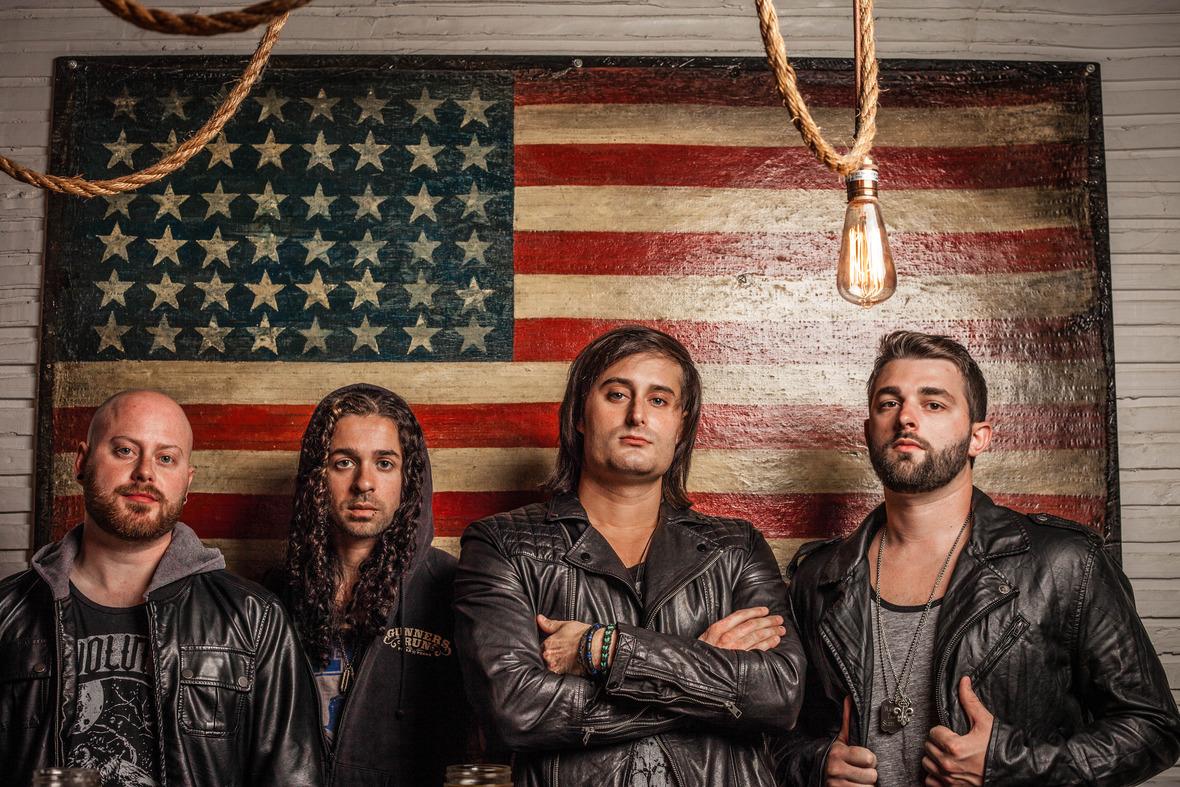 01 - Everlit American Flag Promo