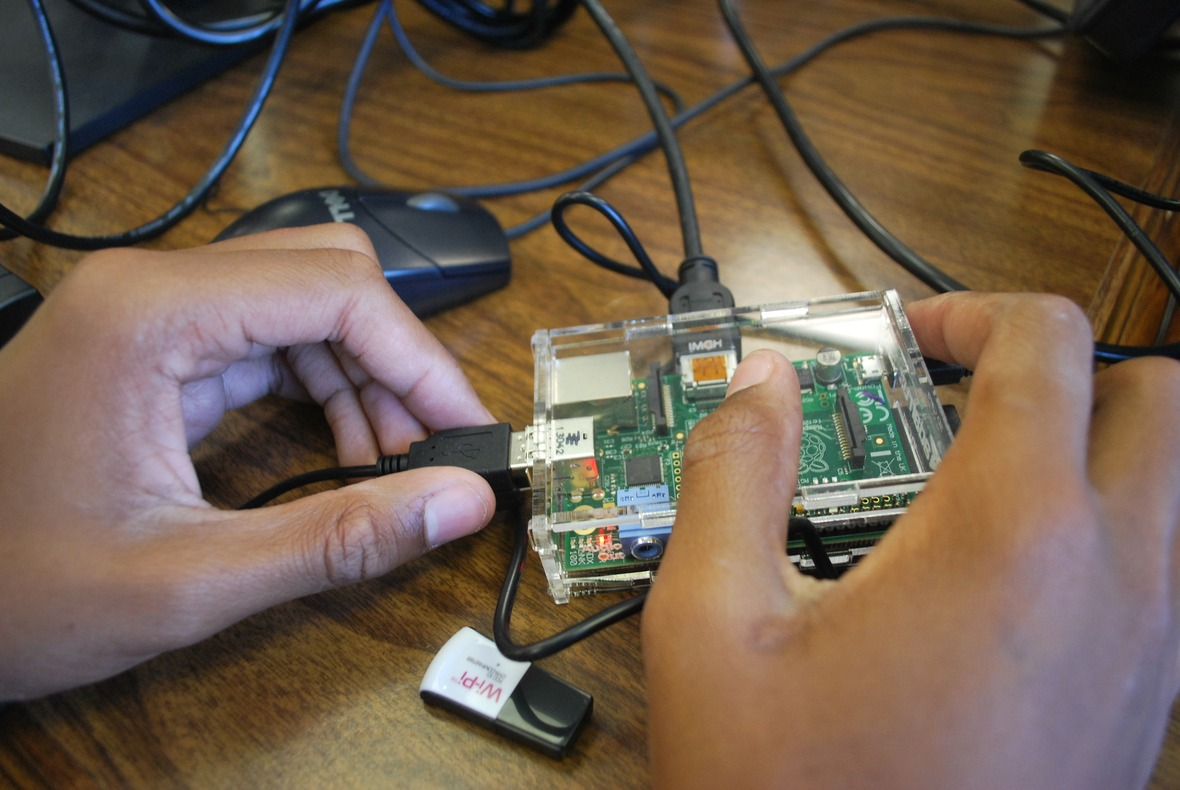 englewood tinkering with hardware