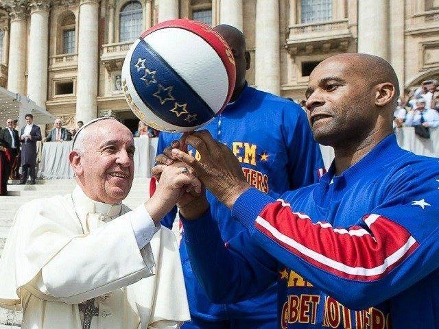 Pope-Francis-Harlem-Globetrotters-640x480