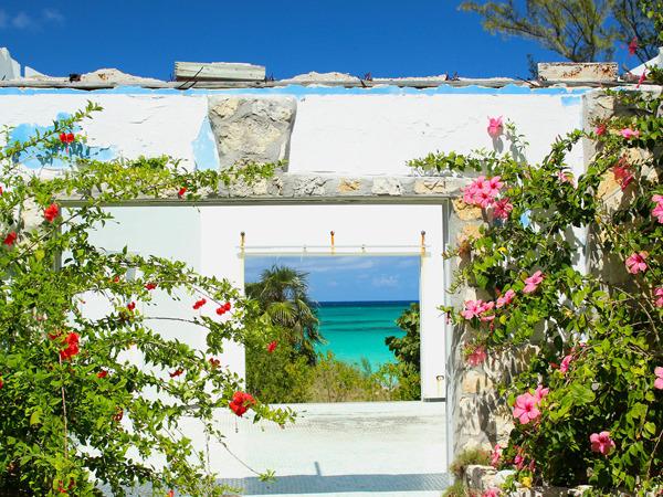 Bahamas-08-window-on-the-sea-Alessandro-Sarno