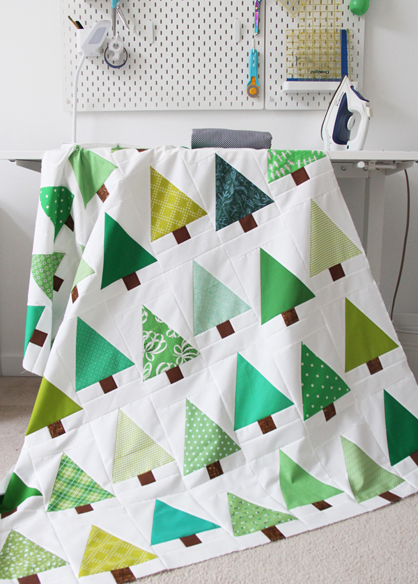 cluck cluck sew- free evergreen quilt sewing tutorial