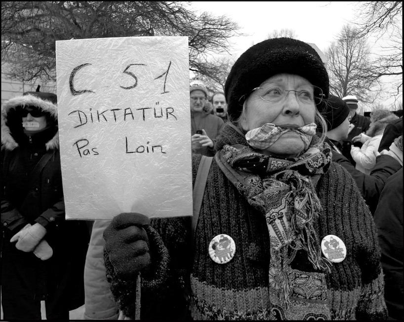 Manifestante contra Loi 51