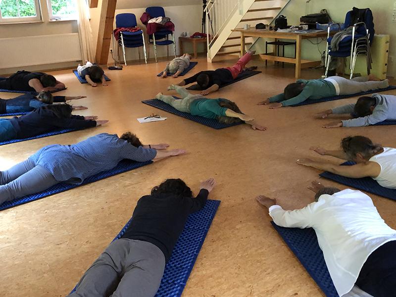 hensellek-Irene Ocklenburg leads yoga800px