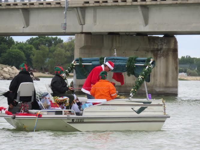 xmas boat2