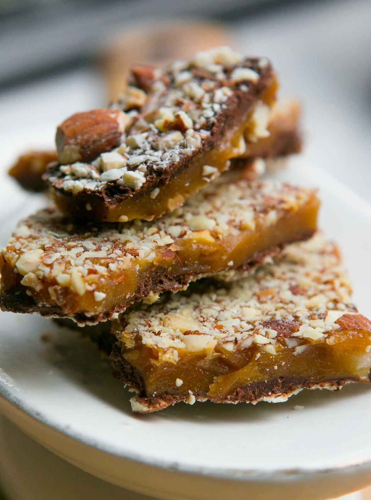 chocolate almond buttercrunch toffee candy recipe-2