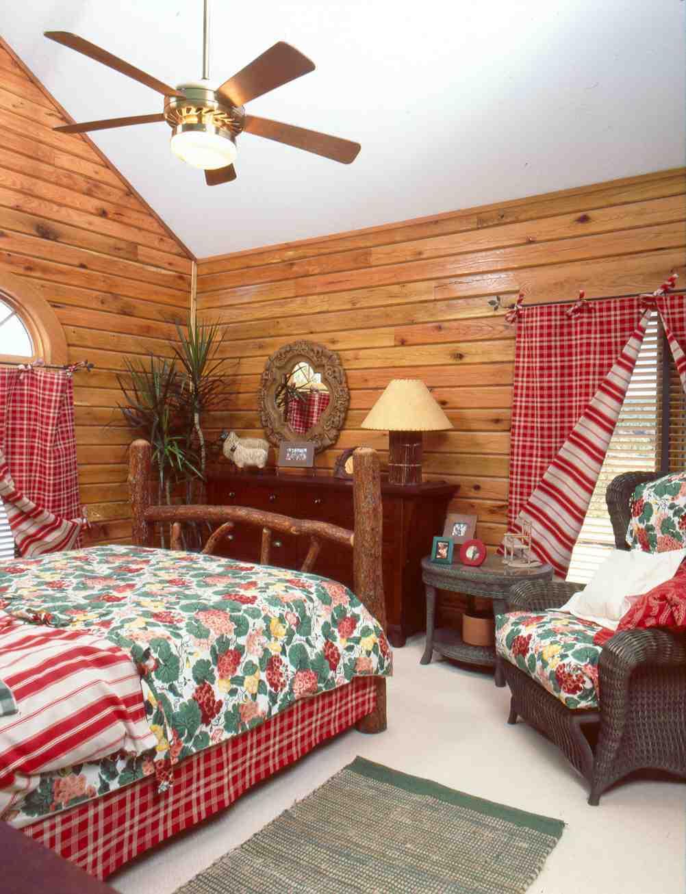 laurey.int.bedroom.2