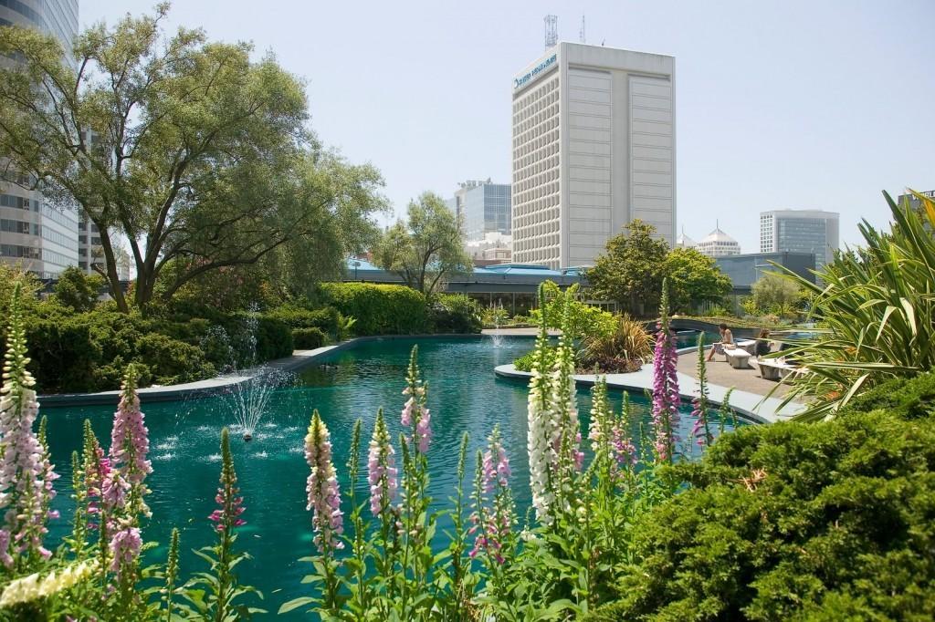Kaiser-Center-Roof-Garden-Oakland-1958-1024x682