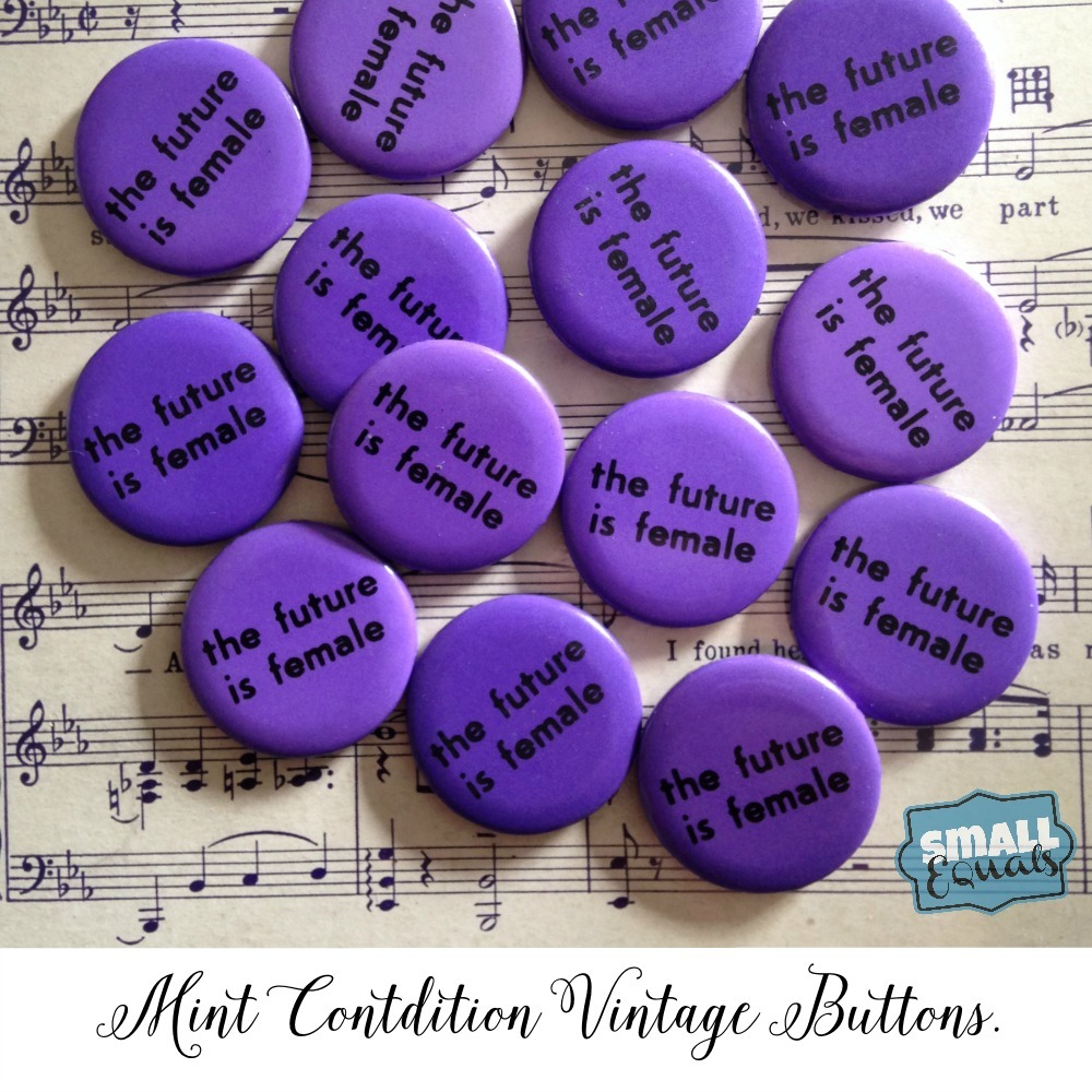 small equals mint condition vintage buttons