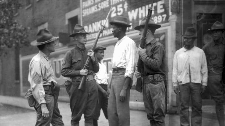 red-summer-1919-chicago-race-riots-gettyimages-86289047