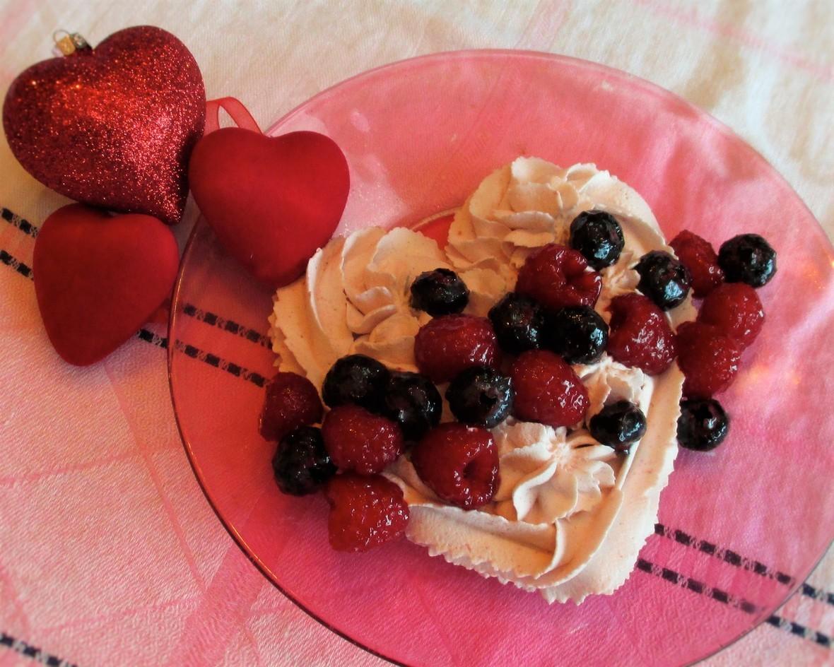 RL-Fancy-Berries-On-A-Heart-Cloud