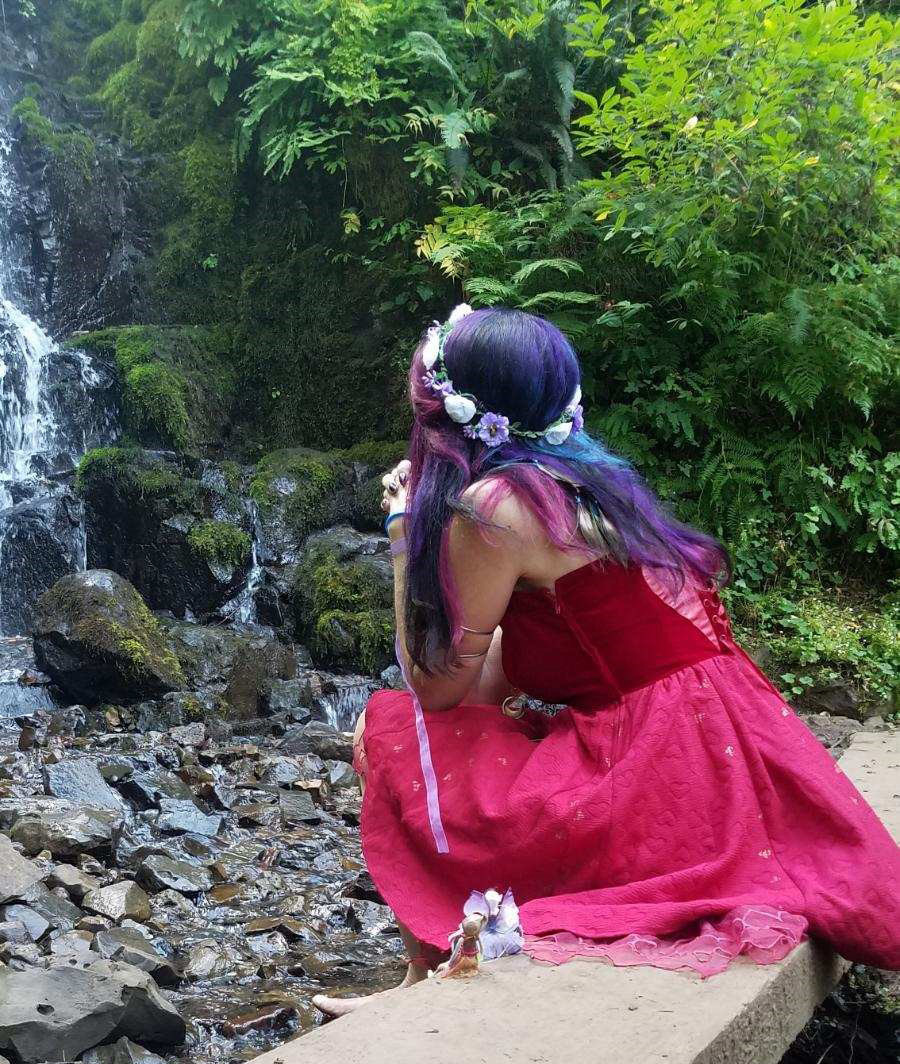 leppie-Lara at waterfalls with fairy friend-crop