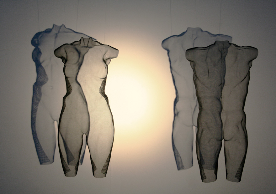 torso-sculpture-CENZ-CENS-wiremesh-by-artist-david-begbie