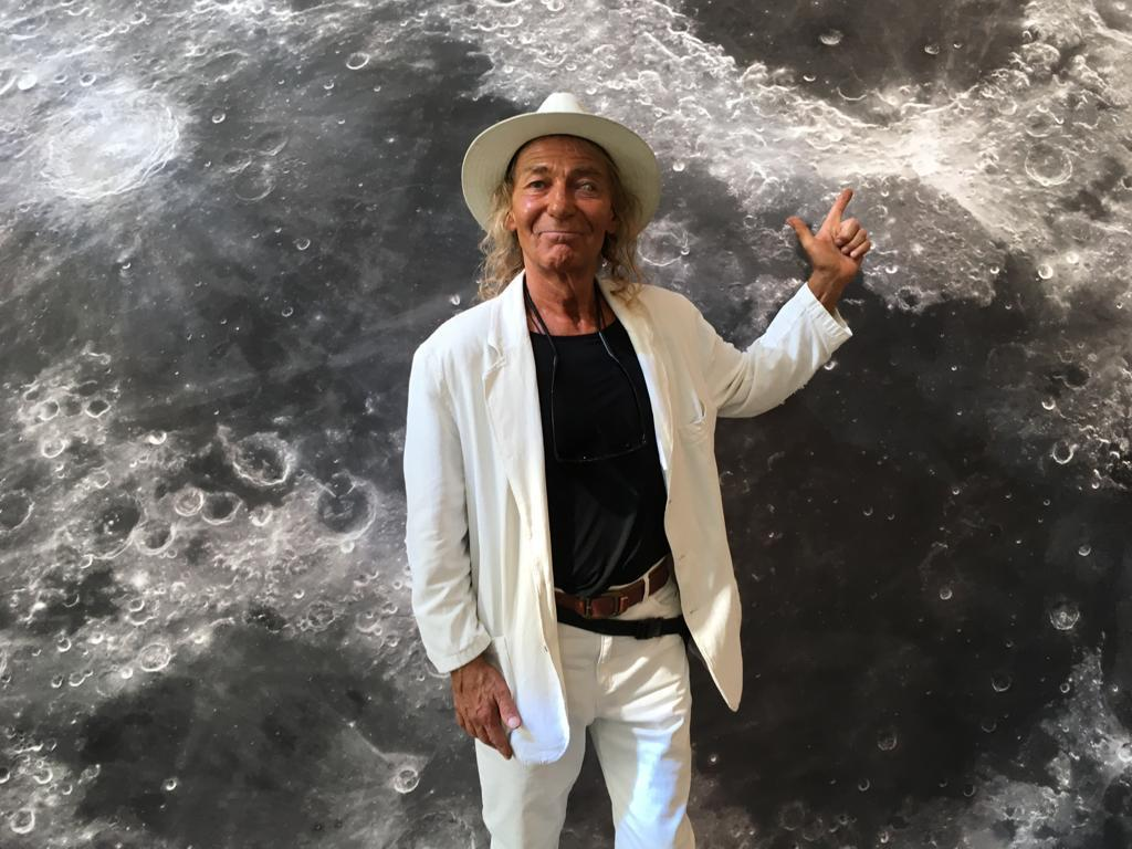david-on-the-moon