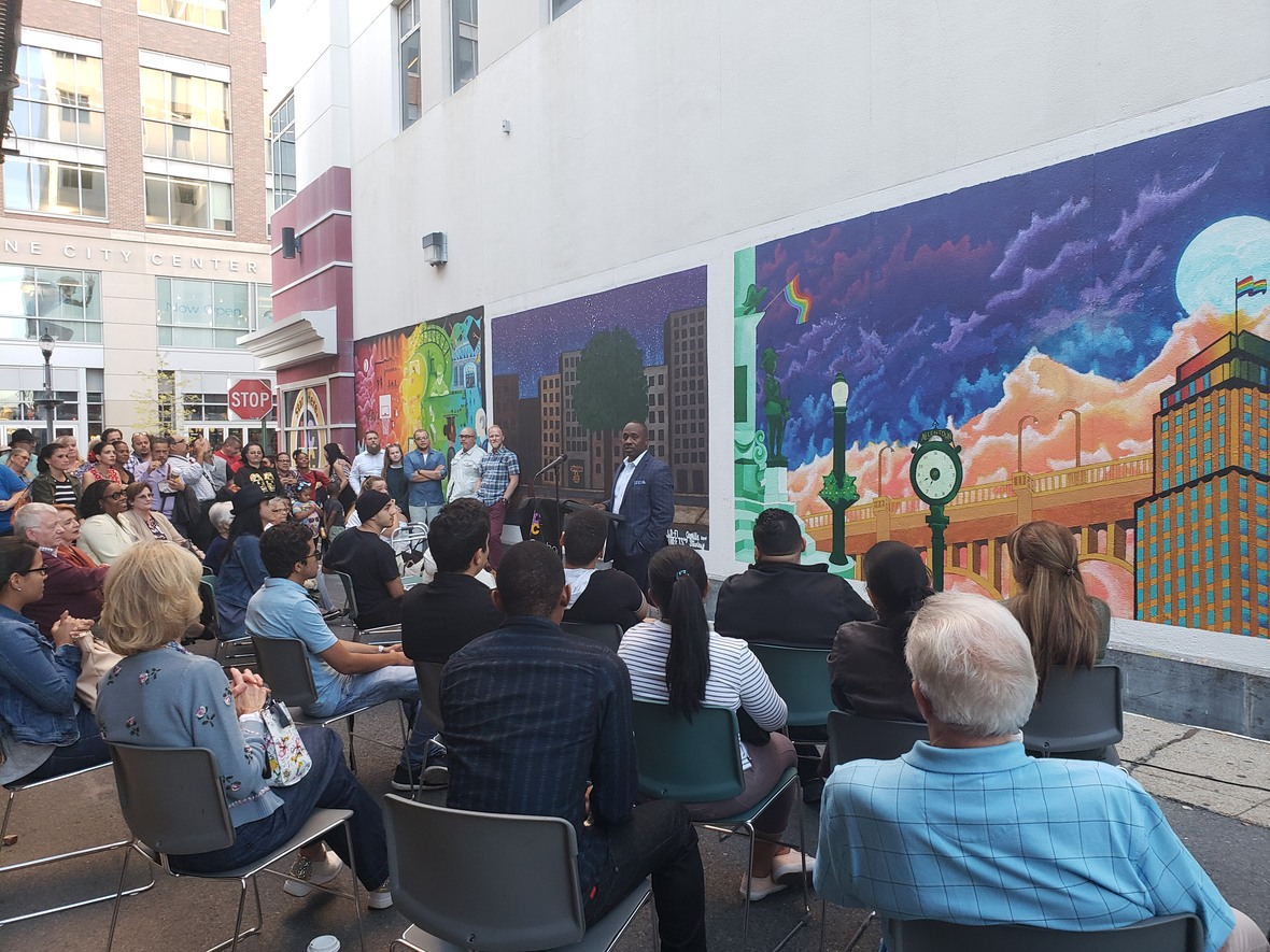 LCCCF Mural Ceremony image1