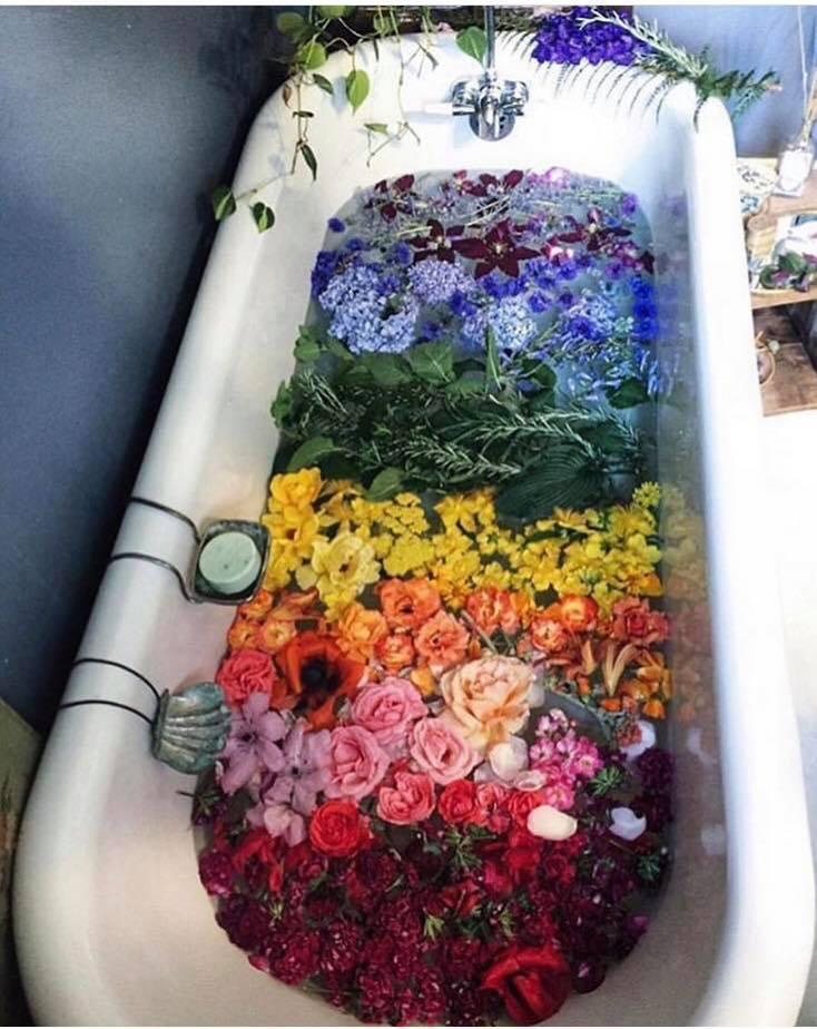 essential oils in the bath