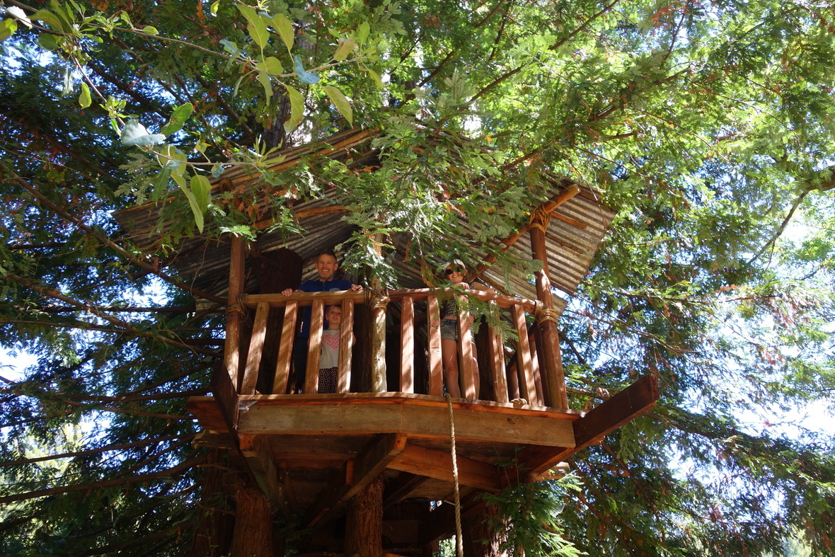 Tree House w-people