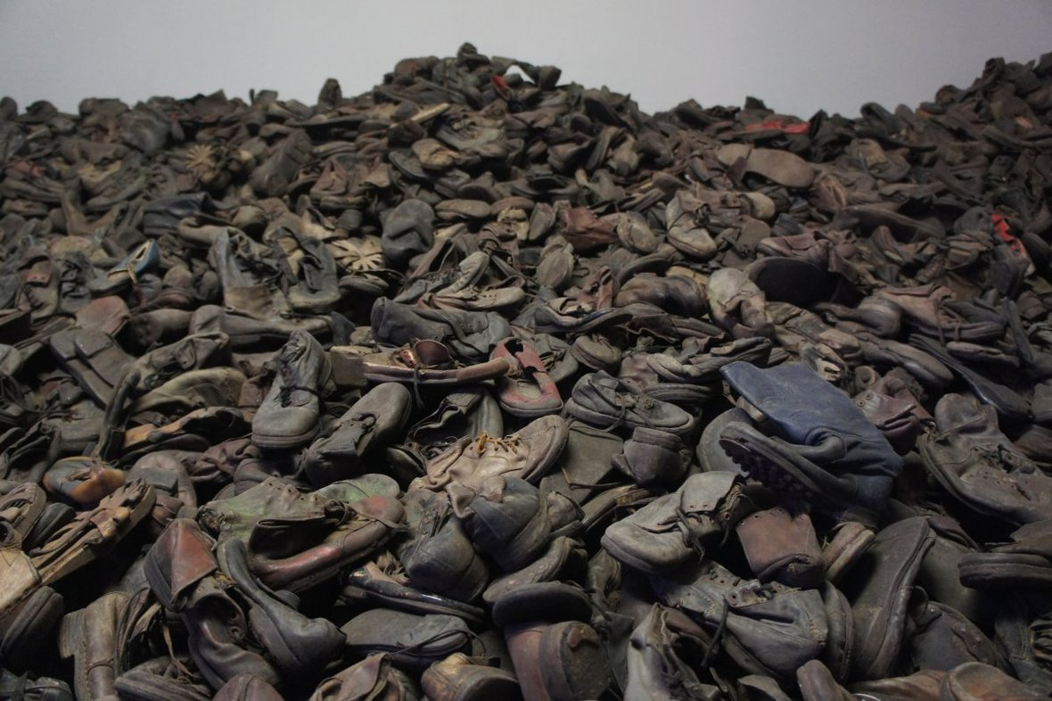 auschwitz-shoes-new