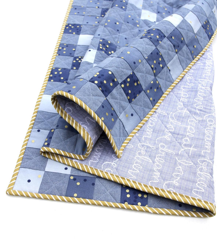blue-ombre-confetti-checkerboard-quilt-