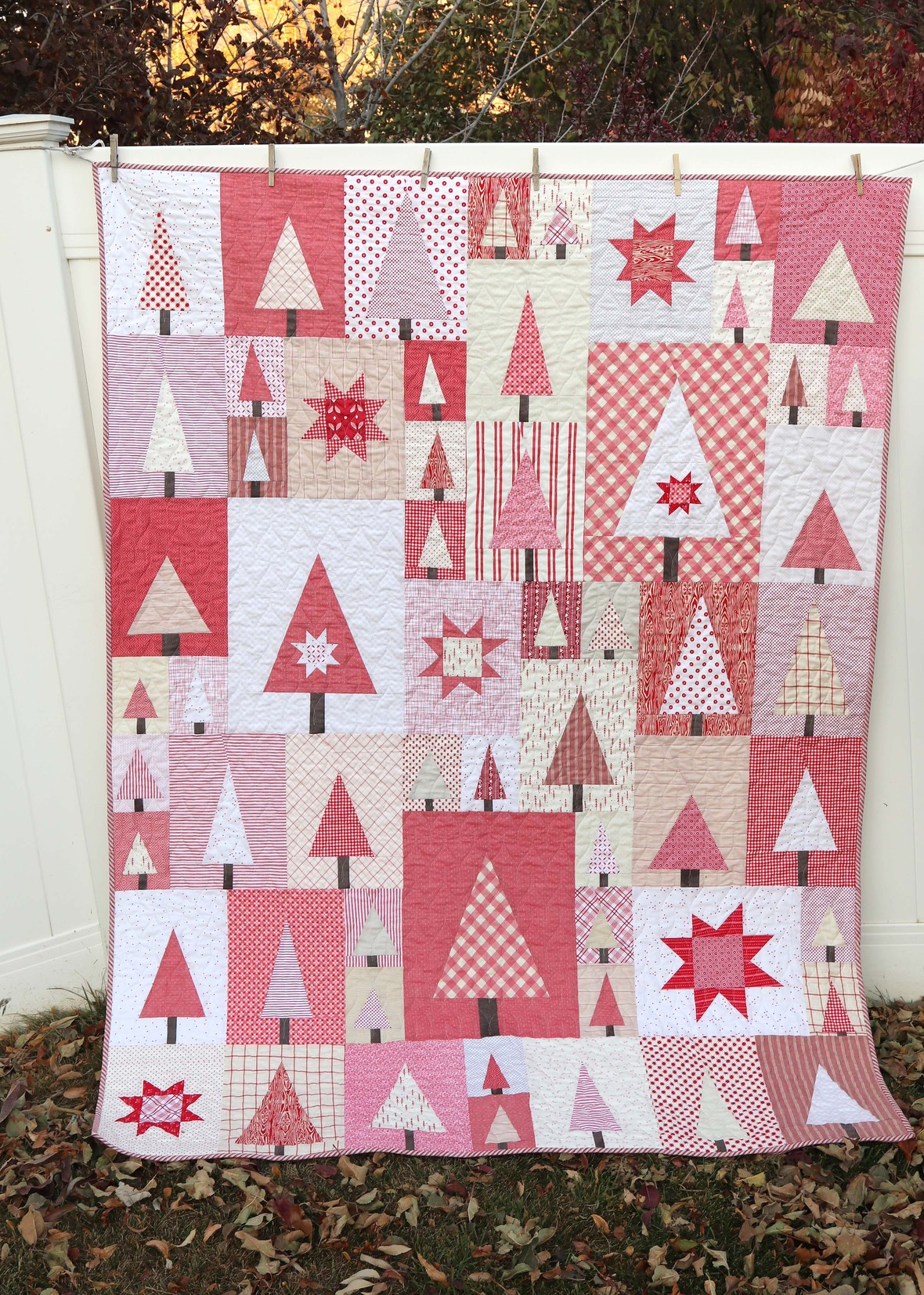 28 Of My Favorite Christmas Quilts Charity Sewing Idea