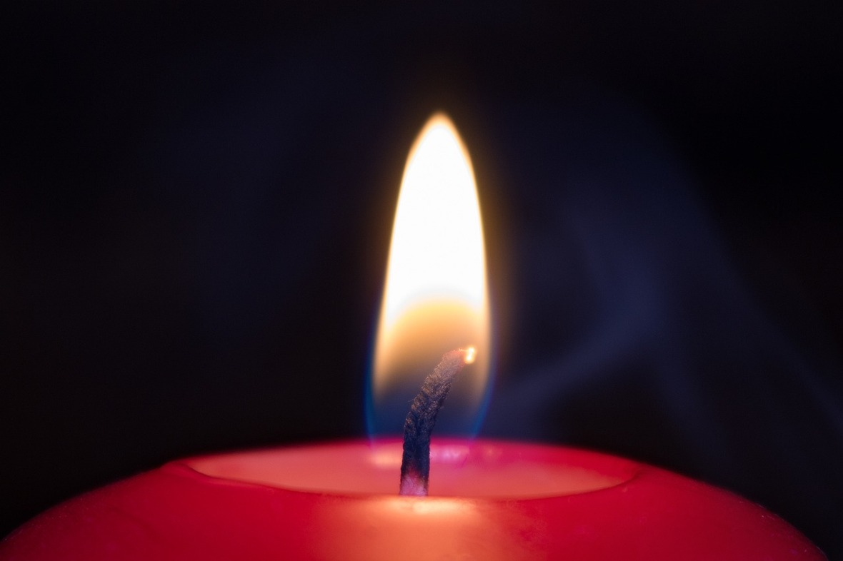 candle-2981313 1280