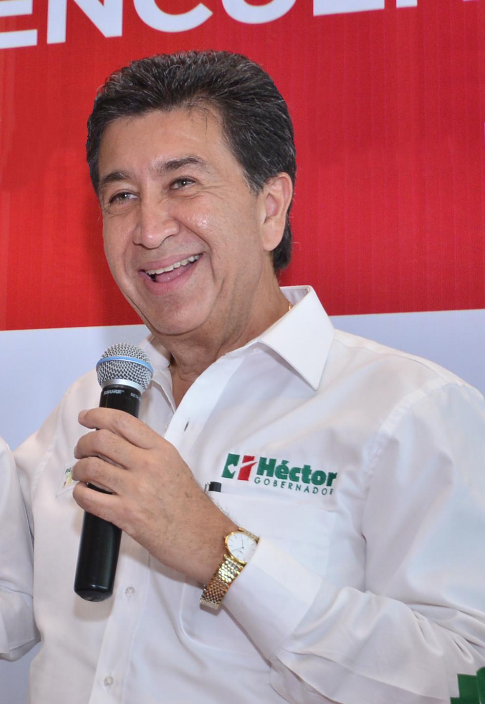 Hector Yunes Landa-01