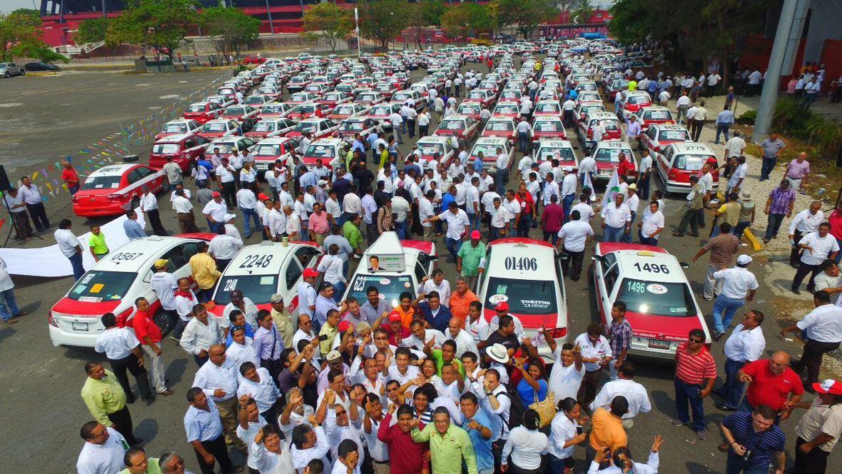 Hector Yunes Landa - encuentro con taxistas de Veracruz - 25-04-2016-01