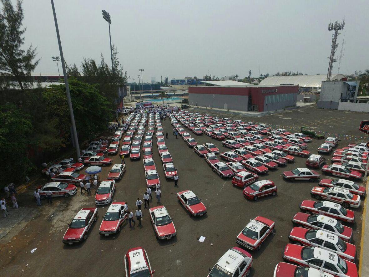 Hector Yunes Landa - encuentro con taxistas de Veracruz - 25-04-2016-06