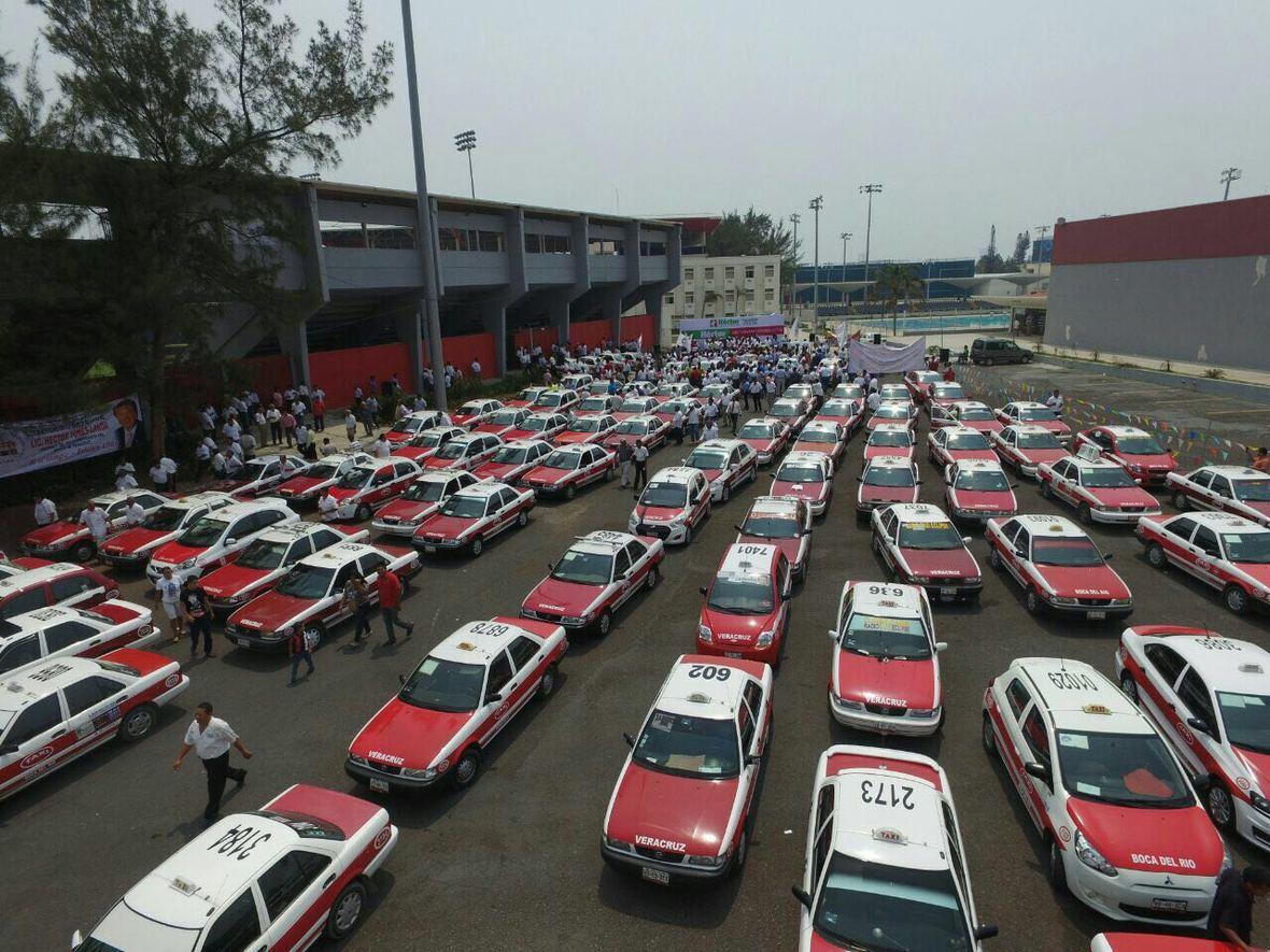 Hector Yunes Landa - encuentro con taxistas de Veracruz - 25-04-2016-05