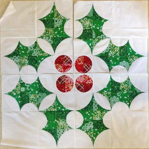 VC008 TheHollyHolidayQuilt Ideas5- website