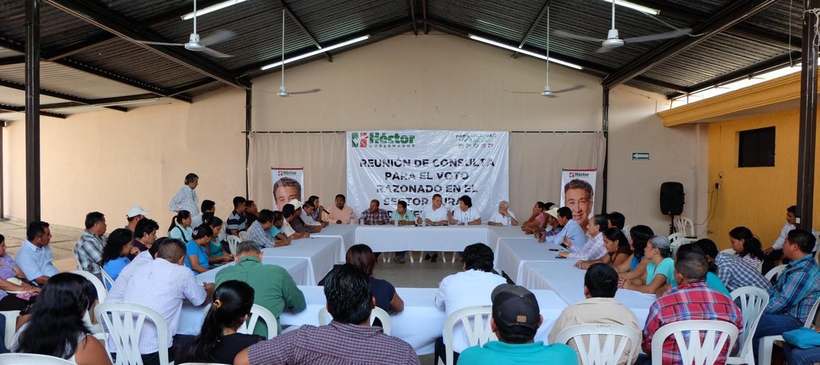 PRODUCTORES DEL NORTE DE VERACRUZ RECIBEN A ENVIADO DEL CANDIDATO HECTOR YUNES-04