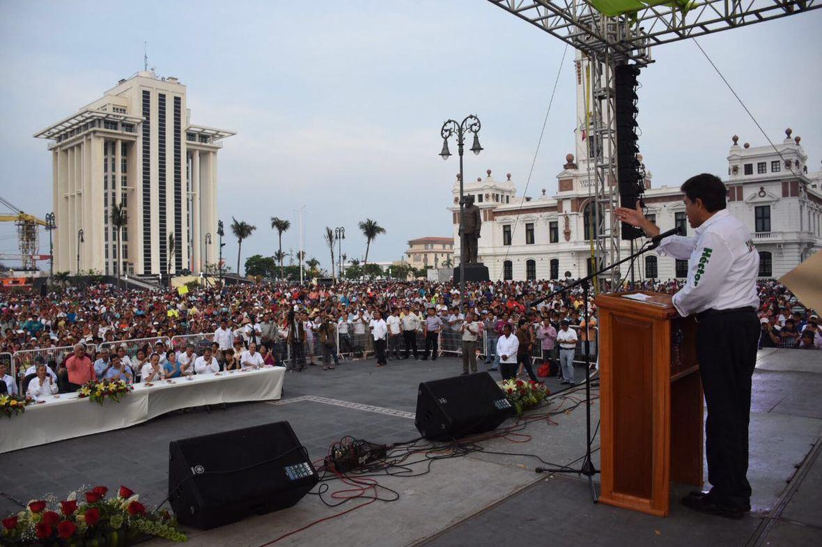 Hector Yunes Landa  Antorchistas  Veracruz  29-04-2016-021