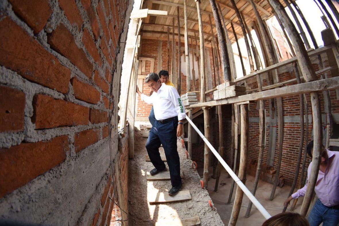 Hector Yunes Landa  encuentro con constructores  03-05-2016  3